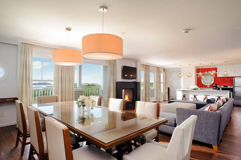 Beach Suite Dining Room with Living Room