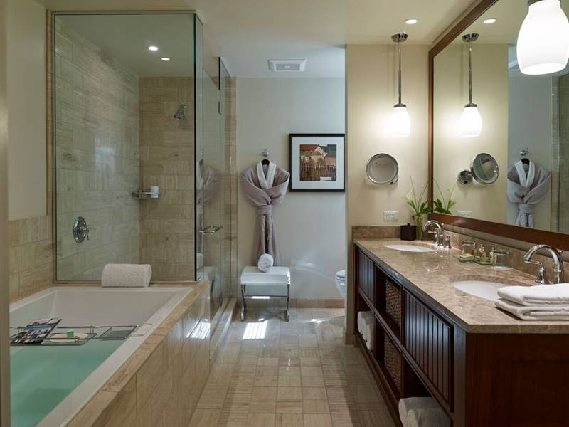 Cove Suite Bathroom